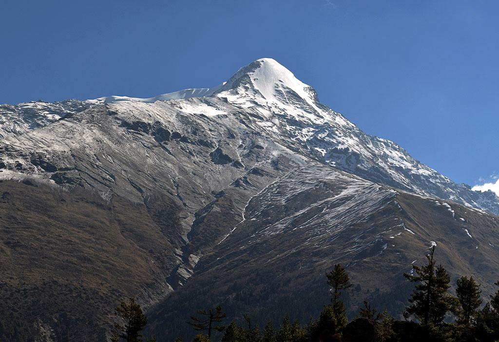 pisang-peak-ascension-thorong-la-pass-trekking-nepal
