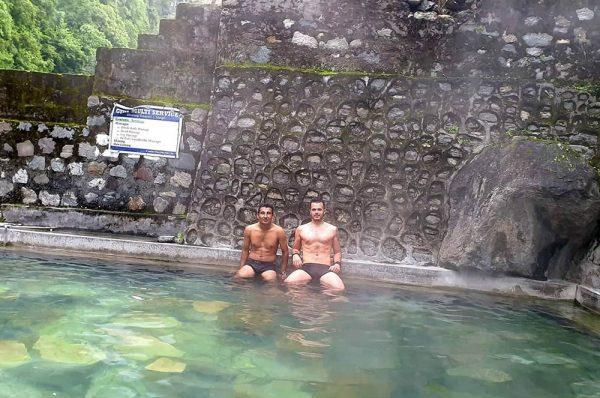 Tatopani, source d'eau chaude